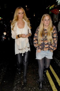 Лоурен Поуп, фото 80. Lauren Pope 'Little Mistress' clothing range launch - London - 03/11/11, foto 80