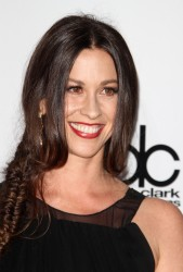 Аланис Морисетт, фото 277. Alanis Morissette - 39th Annual American Music Awards, november 20, foto 277