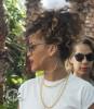Rihanna quitte son hôtel à Miami. 718551168148674