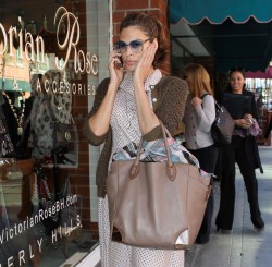 Ева Мендес, фото 4719. Eva Mendes spotted leaving a Medical Building in Beverly Hills, january 18, foto 4719