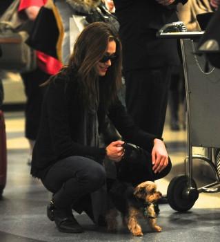 Эмми Россам, фото 3323. Emmy Rossum Looks Great with Her Dog LAX 2/17/12, foto 3323