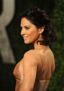 Оливия Манн, фото 1470. Olivia Munn 2012 Vanity Fair Oscar Party - February 26, 2012, foto 1470