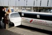Памела Андерсон, фото 4988. Pamela Anderson arrival at Vienna International Airport, march 4, foto 4988